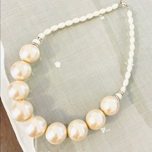 """White Large """"Pearl"""" Statement Necklace"""